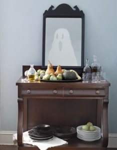 DIY-Halloween-Decorations-ghost-mirror-1010-de